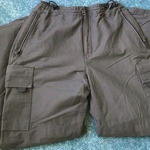 Men's Gap lined cargo pants 30-31
